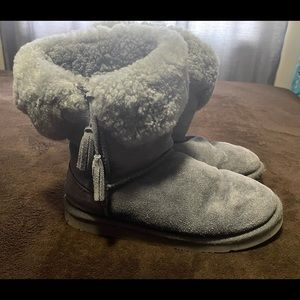 Lamo suede and sheepskin tassel boots. Grey size 8. Very very good condition.